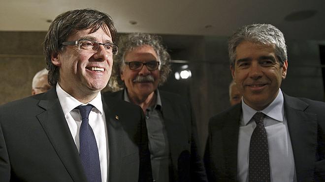 Puigdemont lamenta el portazo al referéndum