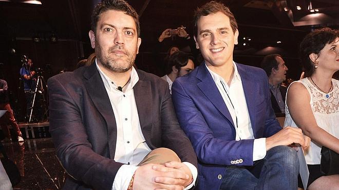 Rivera investiga facturas irregulares de la campaña electoral de C's en Murcia