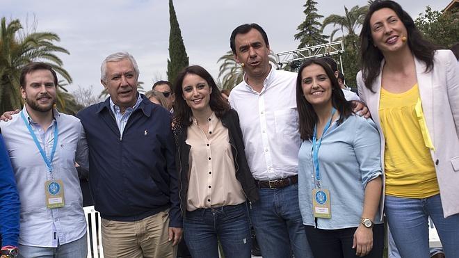 El PP tiende la mano al PSOE para evitar elecciones que afrontarían sin «miedo»