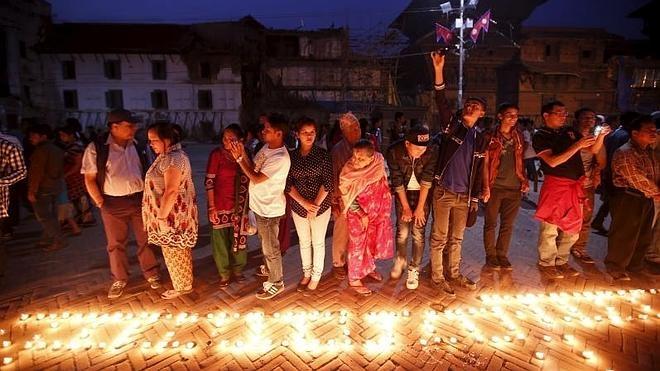 Nepal continúa en ruinas un año después del terremoto