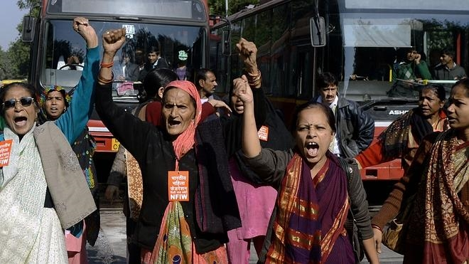 Los teléfonos móviles en India deberán incluir un 'botón del pánico'