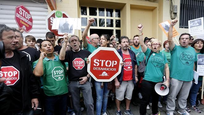 Bruselas expedienta a España por su legislación sobre ejecución hipotecaria