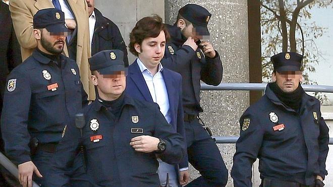 Impiden al 'pequeño Nicolás' asistir a la fiesta de la Comunidad de Madrid