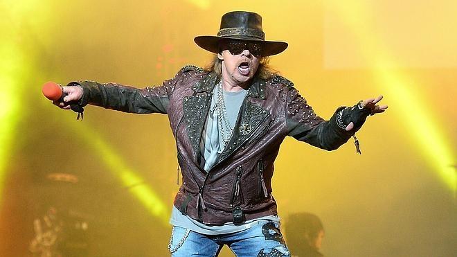 Axl Rose afronta como «un reto» su debut con AC/DC
