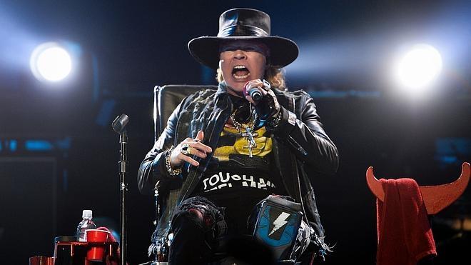 AC/DC inicia su gira europea con la voz de Axl Rose
