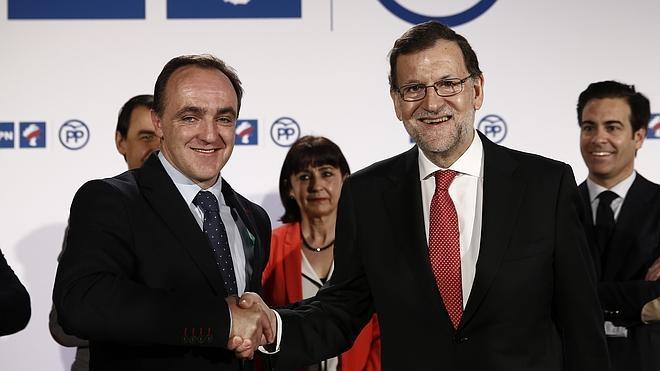 Rajoy arremete contra Podemos-IU, una «coalición de extremistas y radicales»