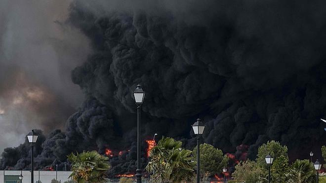 El hollín del incendio de Seseña tiene compuestos «cancerígenos»