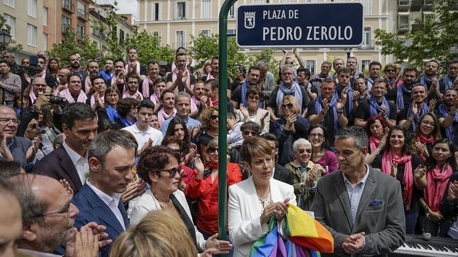 Pedro Zerolo ya tiene una plaza con su nombre en el madrileño barrio de Chueca