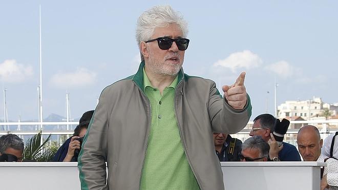 Almodóvar: «Vengo a Cannes para demostrar que no soy una vaca sagrada»