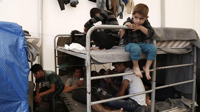 Bruselas otorga 56 millones como ayuda de emergencia para los refugiados en Grecia