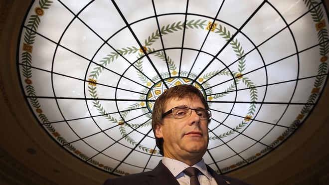 Puigdemont defiende la actuación de los Mossos en Gràcia pese a algún «pequeño error» anterior