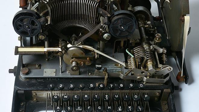 Venden por 12 euros en eBay una máquina alemana de cifrado de la II Guerra Mundial