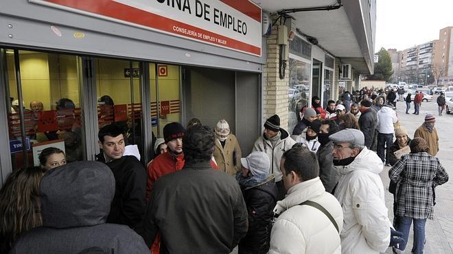 España se mantiene como el segundo país de la eurozona con mayor tasa de paro