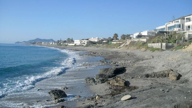 Ecologistas denuncian que 18 playas con bandera azul están contaminadas