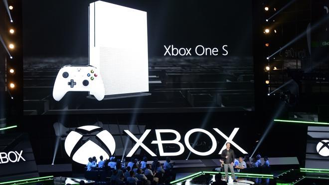 Microsoft presenta un modelo más pequeño de Xbox One