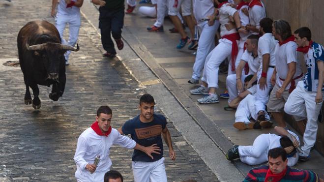 El primer encierro de San Fermín barre en la mañana de TVE