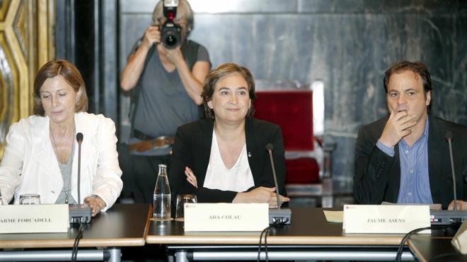 El juez deniega el permiso al Ayuntamiento de Barcelona para inspeccionar el CIE