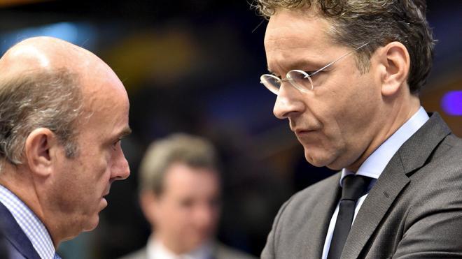 Bruselas aplaza la decisión sobre los fondos congelados hasta después de verano