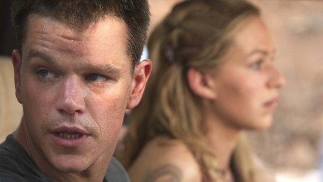 'El mito de Bourne' no puede con 'Sálvame Deluxe'