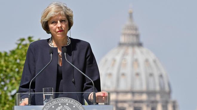 Theresa May propone diseñar una relación novedosa para Reino Unido y la UE