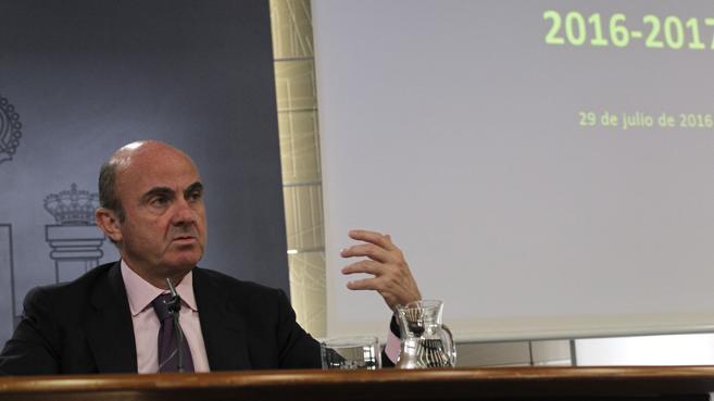 El Gobierno confía en que el paro baje al 16,6% para 2017