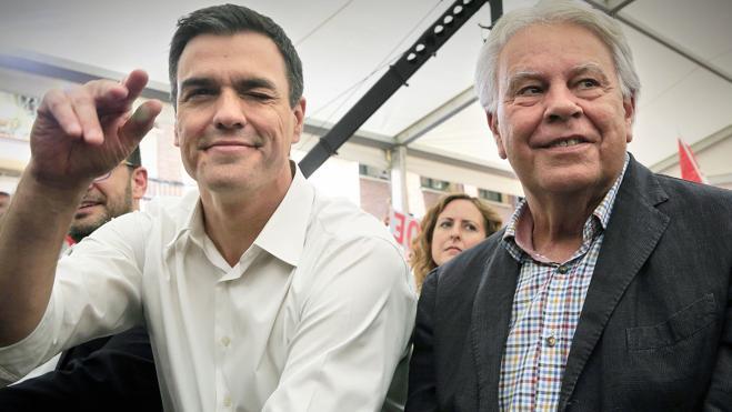Felipe González insta a «dejar formar gobierno», aun «si Rajoy no lo merece»