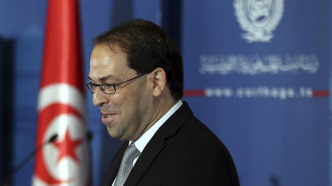 El presidente de Túnez nombra como primer ministro a un joven político