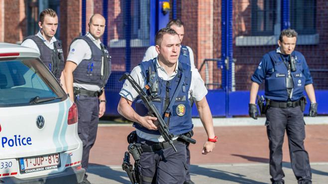 Dos policías heridas en Bélgica por un hombre con un machete al grito de «Alá es grande»
