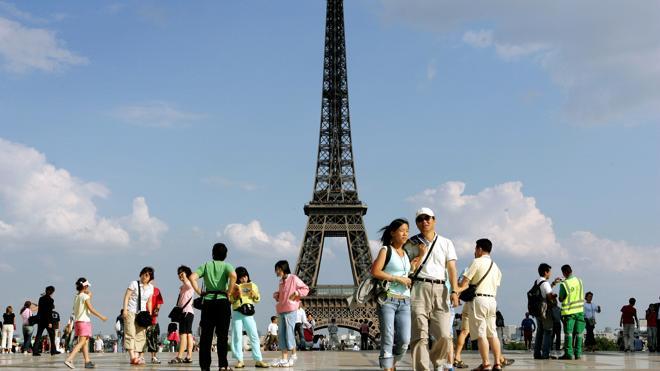 París atribuye al miedo a atentados la caída de un 10% del turismo foráneo