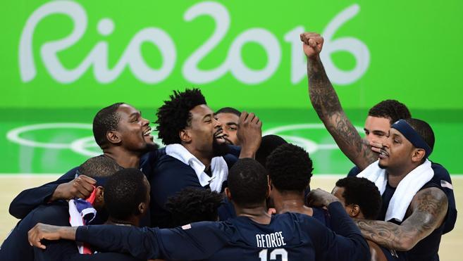 Estados Unidos arrolla a Serbia y cierra Río con otro oro