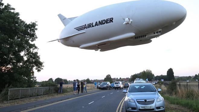 Airlander 10, el zepelín más grande del mundo, se estrella durante un vuelo de prueba