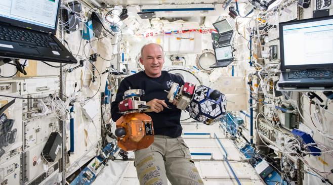 Un astronauta bate el récord estadounidense de permanencia en el espacio