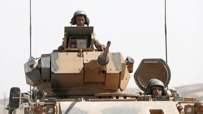 Turquía mantiene su ofensiva en el norte de Siria pese a las críticas de Estados Unidos