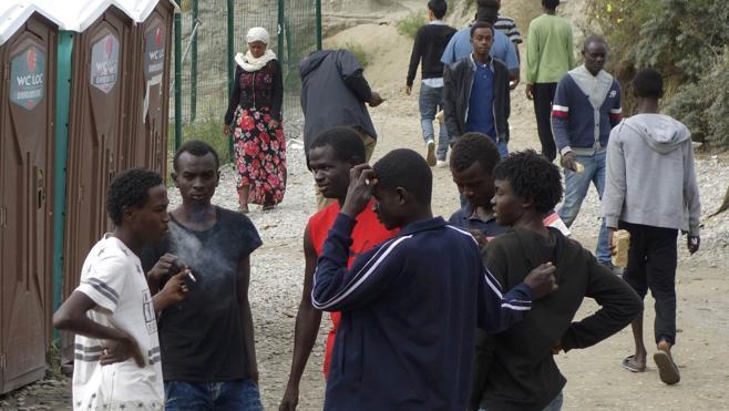 Reino Unido construirá un muro para frenar a los inmigrantes en Calais