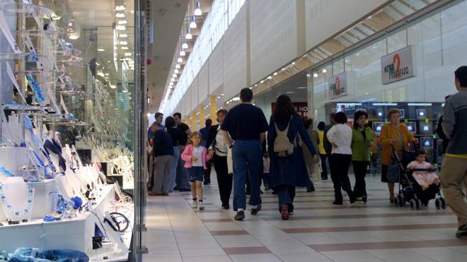 Condenada la madre que abandonó a su hijo de 7 años en un centro comercial