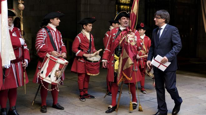 Puigdemont planteará este mes una propuesta de referéndum en Cataluña