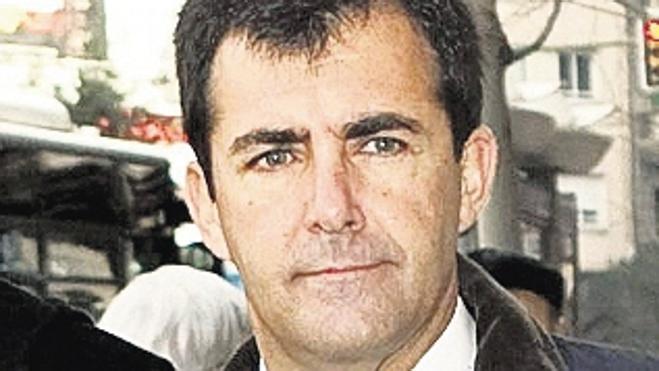 El conseller balear de Turismo admite fraude de 40.000 euros en la compra de libros