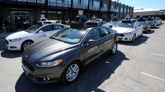Uber lanza este miércoles un servicio de coches sin conductor en EE UU