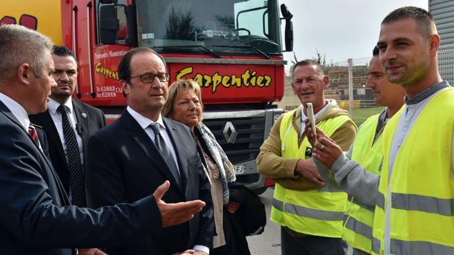 Hollande confirma en Calais el desmantelamiento «definitivo» del campamento de refugiados