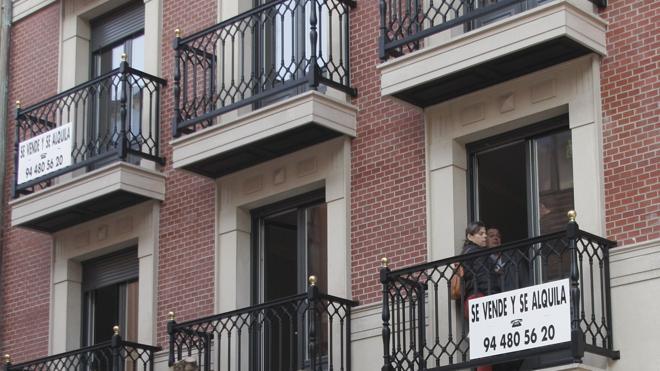 Las hipotecas sobre viviendas caen en julio por primera vez en 25 meses