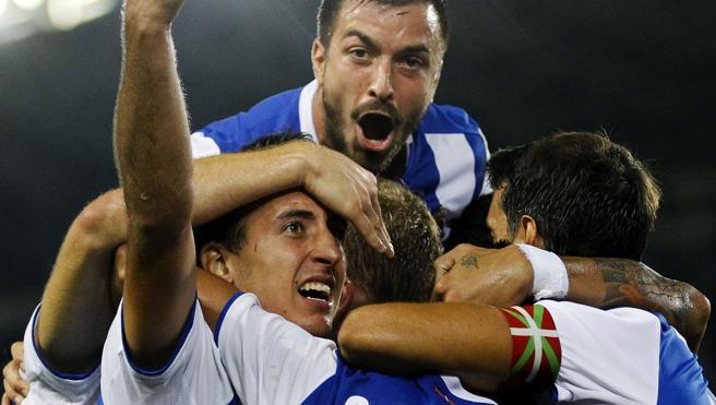 Carlos Vela sella el segundo triunfo de la Real en Anoeta