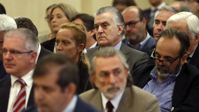 Dos acusaciones piden que Rajoy testifique en el juicio de Gürtel