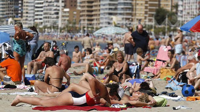 Los turistas extranjeros gastaron 53.296 millones en España hasta agosto