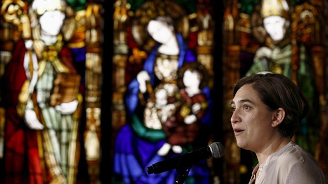 Ada Colau quiere hacer pasar por caja a la Sagrada Familia