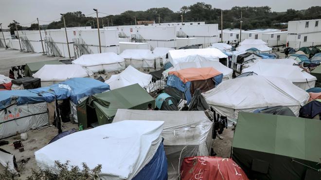 Francia quiere que el Reino Unido acoja a los niños de Calais con familia en su territorio