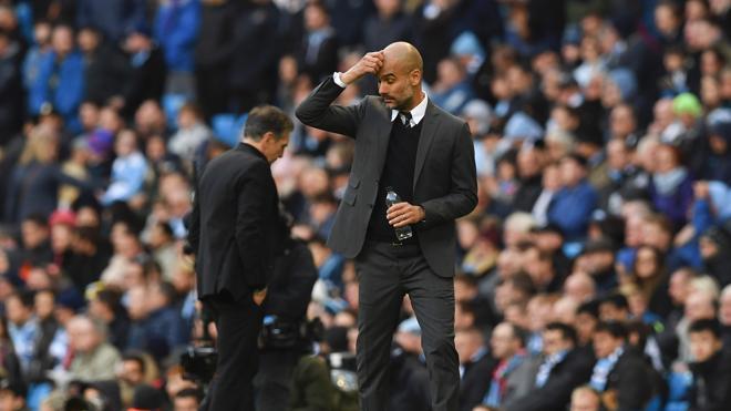 El Chelsea pasa por encima del United, el City empata y salva el liderato