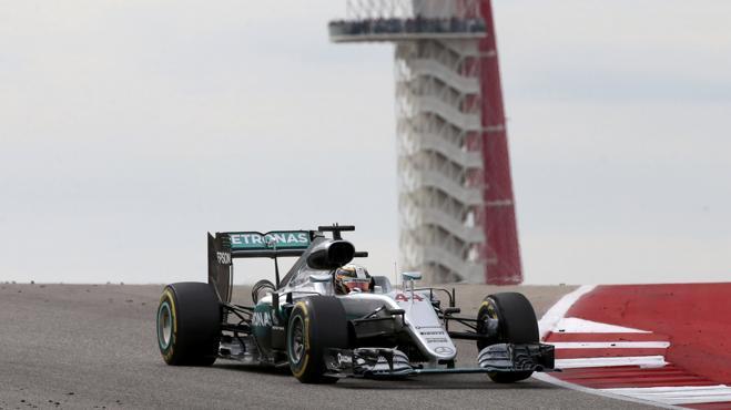 El duelo al sol de Alonso y Sainz eclipsa la victoria de Hamilton