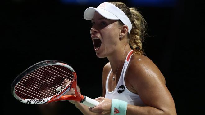 Kerber y Halep ganan en el inicio del Masters femenino