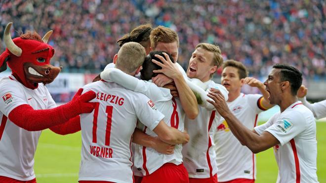 Al club más odiado de Alemania le salen 'alas'