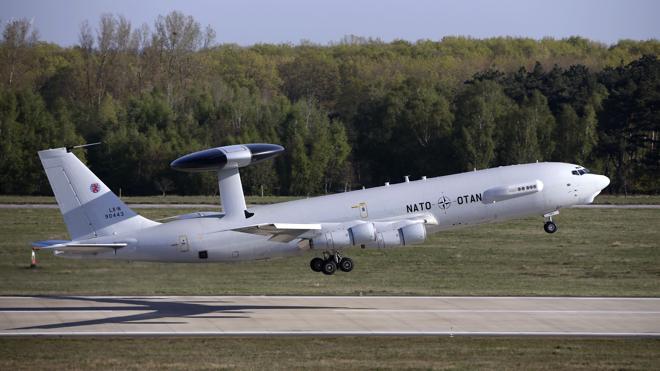 La OTAN inicia sus vuelos en apoyo de la coalición antiyihadista